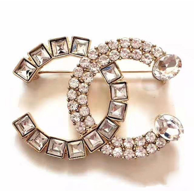 Chanel brooch with Crystal Pearl E73