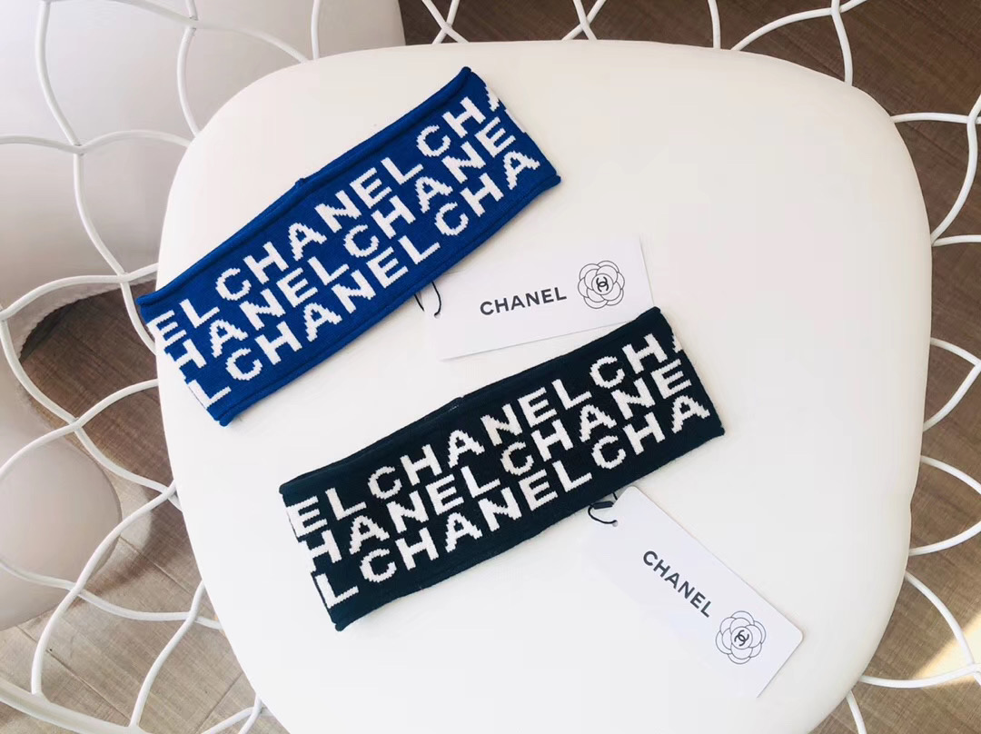 X189 Chanel Wool Headband