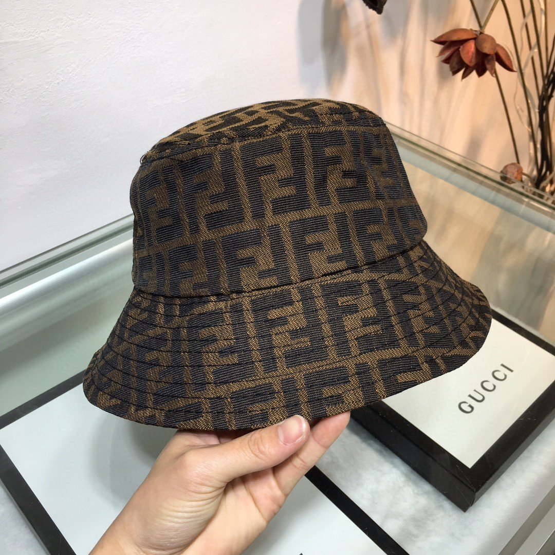 FENDI Bucket Hat CA040