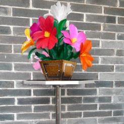 Vanishing Bouquet And Vase