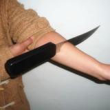Knife Thru Arm - Super