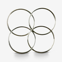 Deluxe 4.5 Inch Linking Rings (Set of 4, Chrome) by J.C Magic