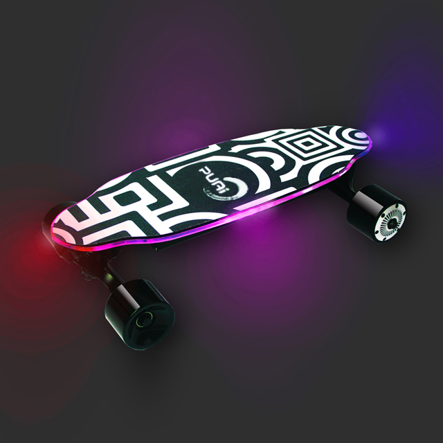 Puai 2018 New Fashionable Electric Skateboard with LED cool Light show