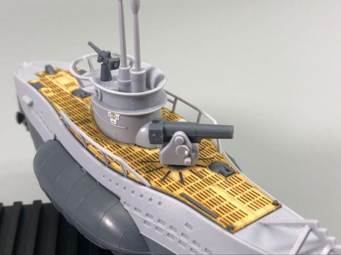 Meng WB-003 U-boat Type VII Q Edition Plastic Assembly Model Kit / Wooden Deck CYD002