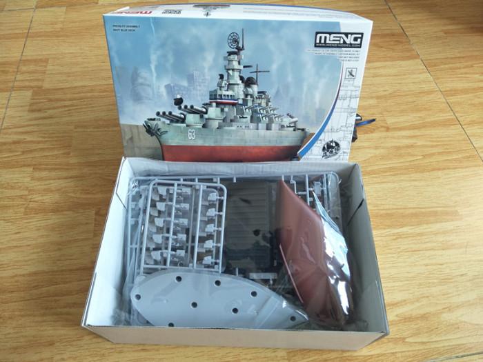Meng WB-004 Warship Builder Missouri Q Edition Plastic Assembly Model Kit & Wooden Deck CYD003