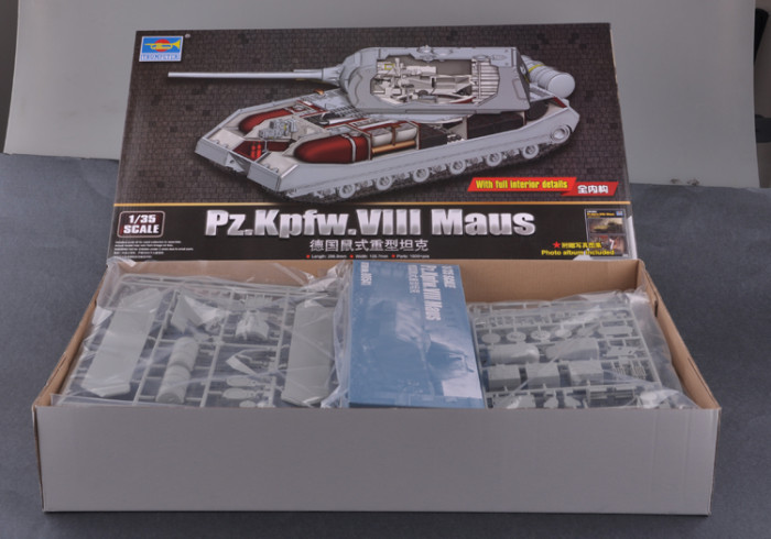 Trumpeter 09541 1/35 Scale WWII German Pz.Kpfw.VIII Maus w/Full Interior Super-Heavy Tank Armor Assembly Model Kit