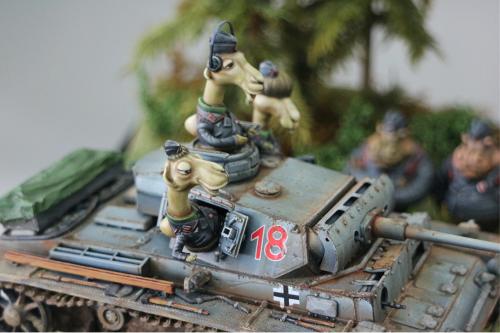 Korea ZLPLA Genuine 1/35 Scale Resin Figure Animal Troopers WWII German Tank Camel Crew Set Q Editon Assembly Model AT-001