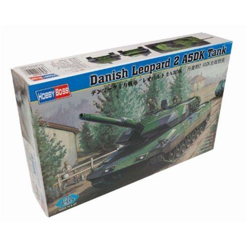 HobbyBoss 82405 1/35 Scale Danish Leopard 2A5DK Tank Military Plastic Assembly Model Kits