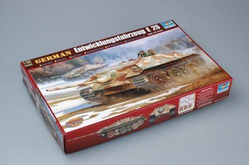 Trumpeter 00383 1/35 Scale German Entwicklungsfahrzeug E-25 Tank Military Plastic Assembly Model Kits