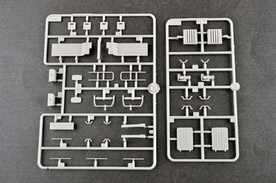 Trumpeter 01065 1/35 Scale MAZ-537G Late Production with ChMZAP-9990 Semi-Trailer Military Plastic Assembly Model Kits