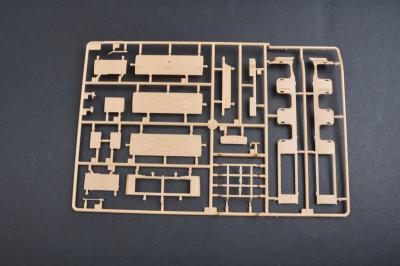 Trumpeter 01583 1/35 Scale Sd.Kfz.8 Schwerer Zugkraftwagen 12t Military Plastic Assembly Model Kits
