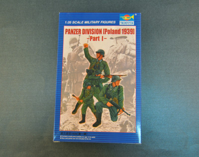 Trumpeter 00402 1/35 Scale Panzer Division Poland 1939 Part I Soldier Figures Military Plastic Assembly Model Kits