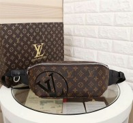 LV Chest Bag AAA (1)