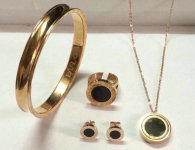 Bvlgari Suit Jewelry (94)