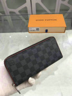 LV Wallet (195)