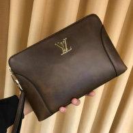 LV Bag AAA (64)