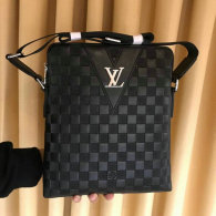 LV Men Bag AAA (111)