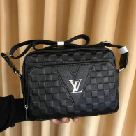 LV Men Bag AAA (107)