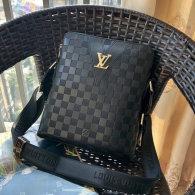 Gucci Men Bag AAA (101)
