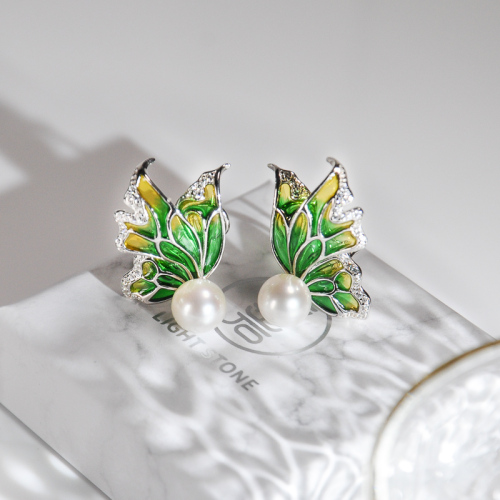 Butterfly - Glass Enamelling Painting Color Silver Ear Stud