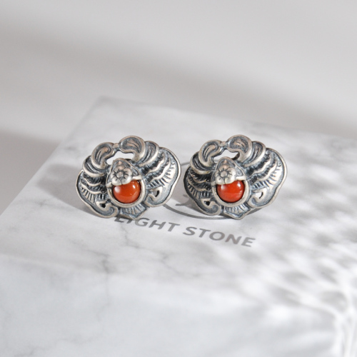 Bat - Old Silver Red Agate Silver Ear Stud