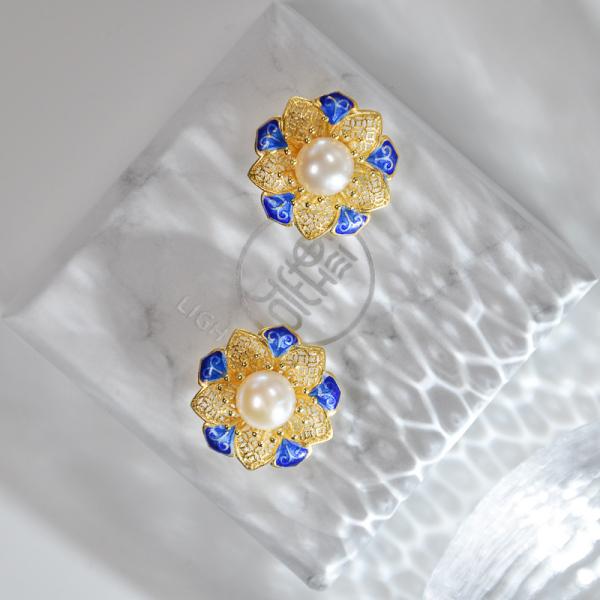 Sun Flower - Gilt Filigree Enameling Pearl Silver Ear Stud