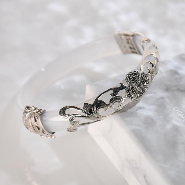 Lucky Clover - White Chalcedony Mosaic Bracelet