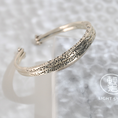 Double Wind Blows- Yunnan Fine Silver Bracelet - Sky Collection