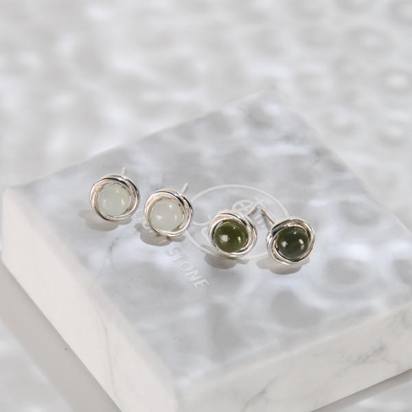 Green / White Jade Ear Stud