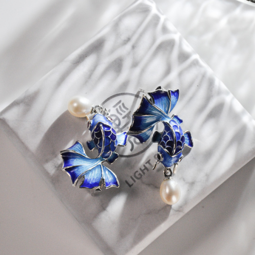 Goldfish - Burning Blue - Cloisonne Pearl Earrings