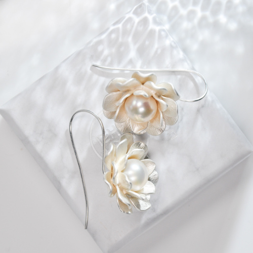 Flower - Pearl Silver Earrings