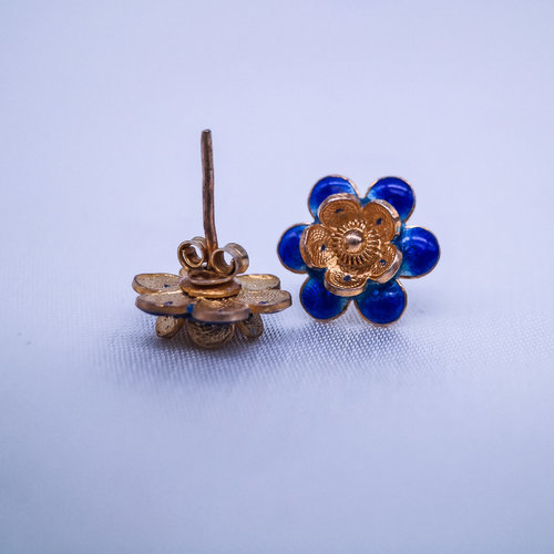 Burning Blue Cloisonné Ear Stud - Gilt Plum Flower
