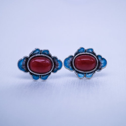 Burning Blue Cloisonné Ear Stud - Blue Clover