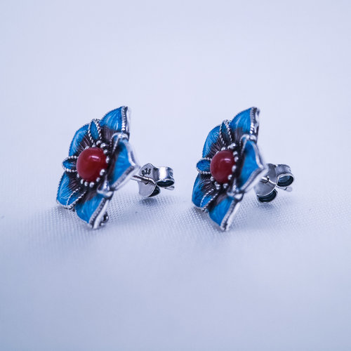 Burning Blue Cloisonné Ear Stud - Blue Star Flower