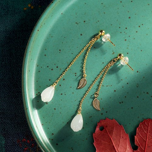 Mulan - White Magnolia - Jade Silver Earrings