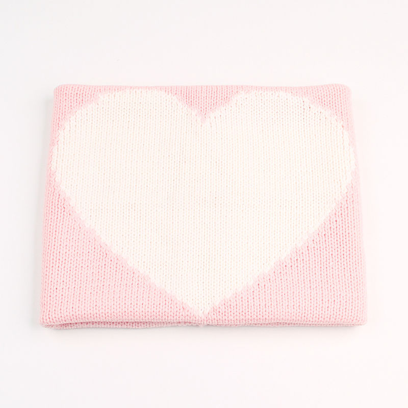 Print Knit Heart Sleeping Blanket