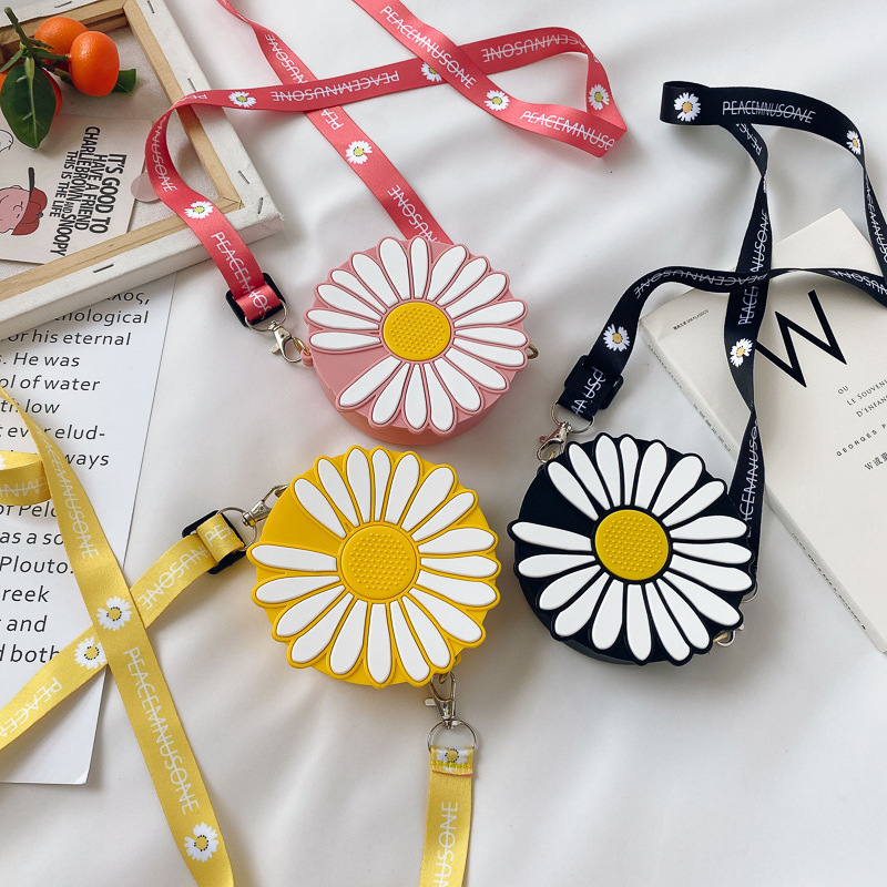 Cute Cartoon Daisy Silicone Mini Single Shoulder Round Bag