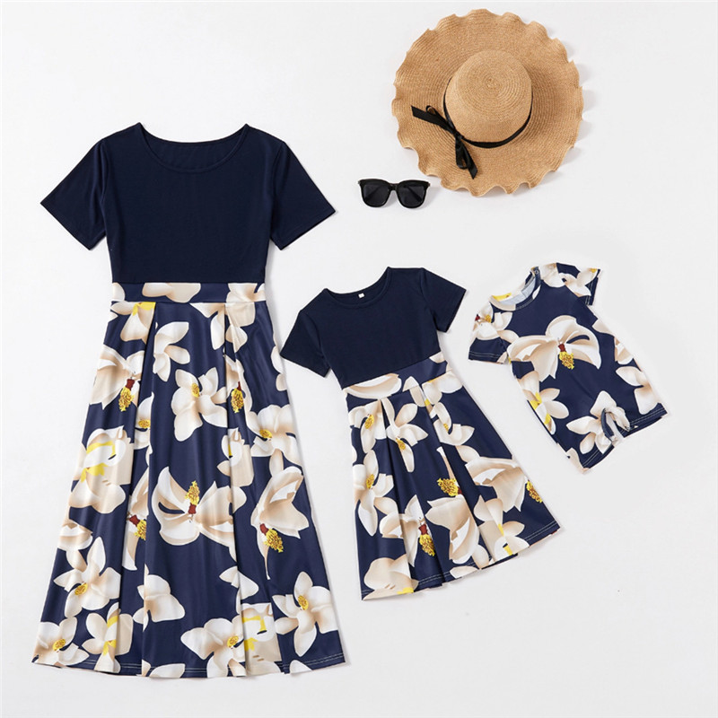 Mommy and Me Printed Lotus Flowers Round Neck Short Sleeve A-line Dresses