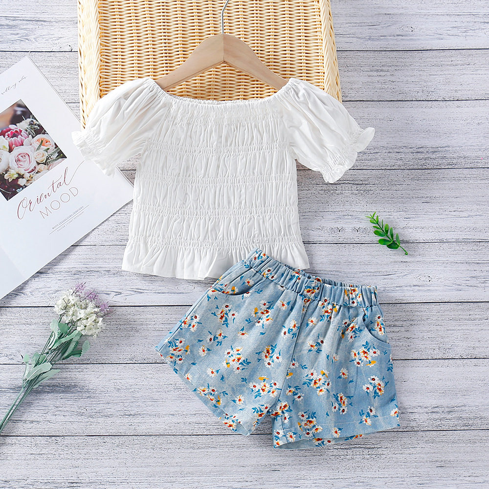 Toddler Girl Puffed Sleeve Blouse and Floral Shorts Two Pieces Sets