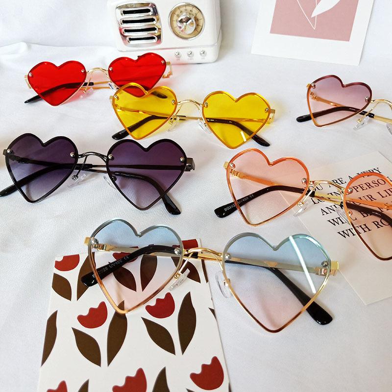 Kids Heart Shaped Anti-UV Protection Fashion Sunglasses