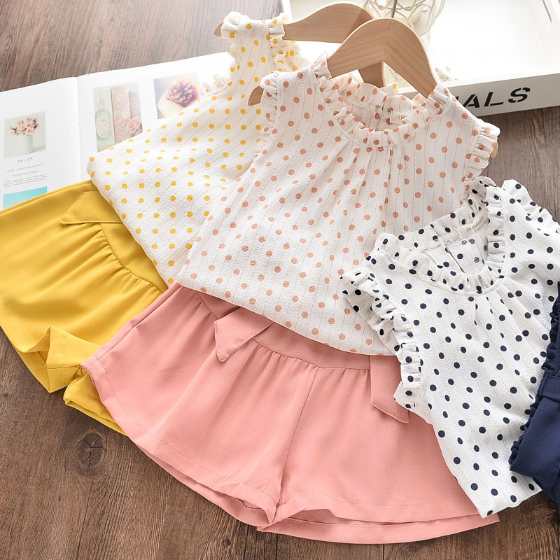 Girls Ruffles Dot Sleeveless Blouse and Bowknot Shorts Two-Piece Outfit