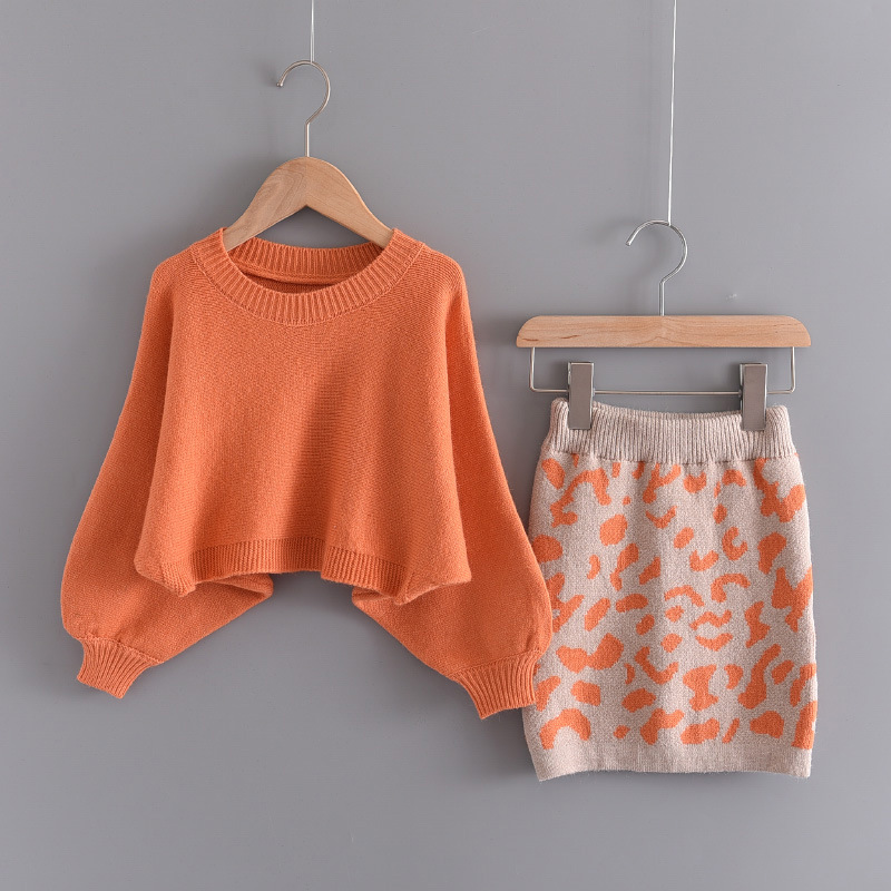 Girl Knit Long Sleeve Sweaters and Orange Leopard Skirt Two Pieces Set Outfit