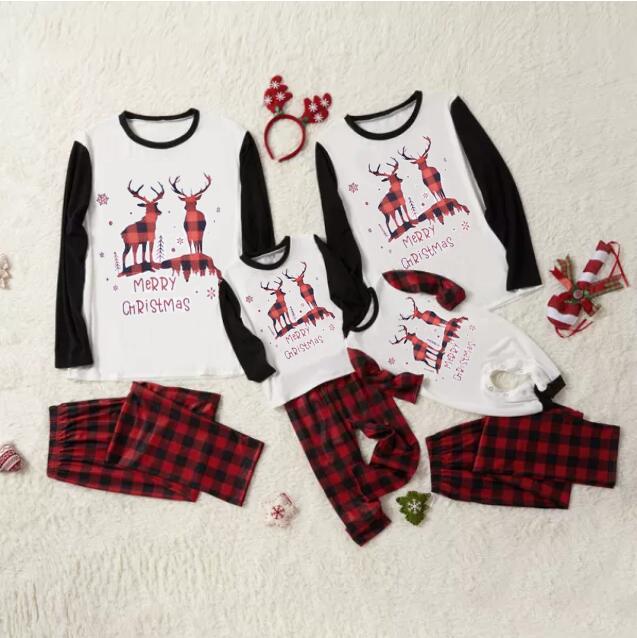 Christmas Family Matching Sleepwear Pajamas Christmas Deer Snowflakes Pajamas With Dog Cloth