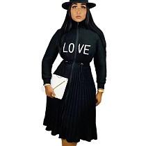 Velvet noir broderie lettres Zip Up cordon de serrage taille robe plissée TK6055