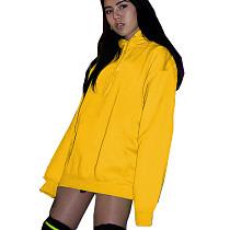 Manteau de sport zippé à capuche jaune moutarde sur le devant OMM1102