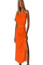 فستان طويل بأكمام قصيرة برتقالي غير متناظر مع فتحة جانبية TRS910