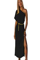 فستان طويل بأكمام قصيرة أسود غير متماثل مع فتحة جانبية TRS910
