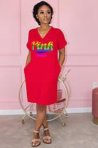 فستان بوليستر أحمر كاجوال بأكمام قصيرة ورقبة حرف (في)