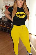 黄色のカジュアルポリエステル口グラフィック半袖ラウンドネックTシャツトップロングパンツセットW8300