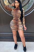 Robe moulante à manches longues en polyester léopard et col montant taille moyenne ED8291